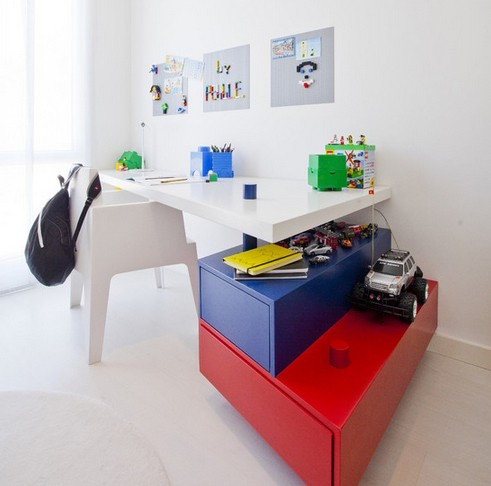 письменный стол в стиле лего