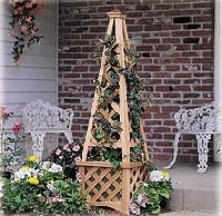 садовая пирамида с кадкой