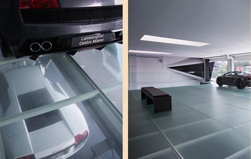 стеклянные полы в Центре Ламборджини