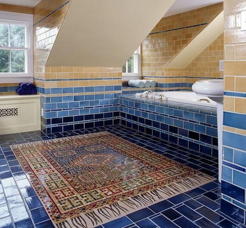 оригинальный мозаичный пол в виде ковра