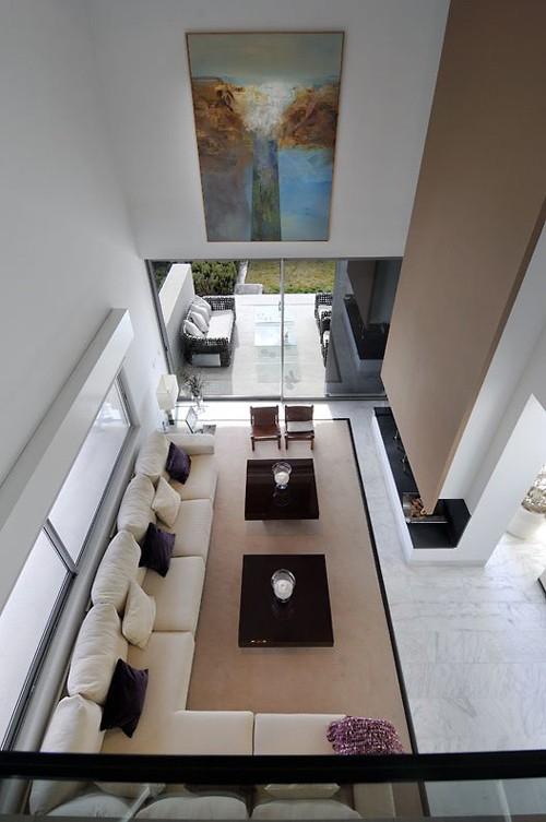гостиная с современным камином