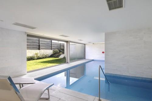 встроенный бассейн в частном доме
