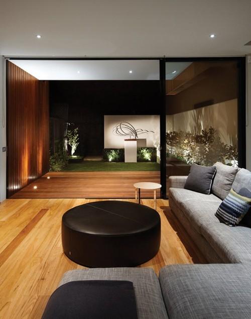 интерьер гостиной с примыкающей внешней палубой