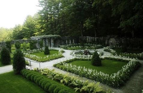 формирование геометрического рисунка лунного сада