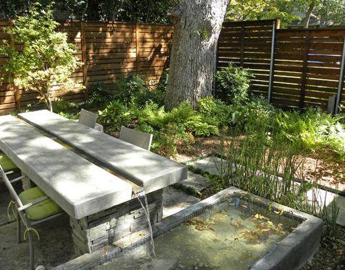 бетонный стол с искусственным водопадом