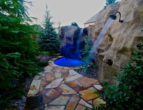 система искусственных гротов с водопадами и летним душем