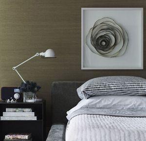 картонная композиция в декоре спальни