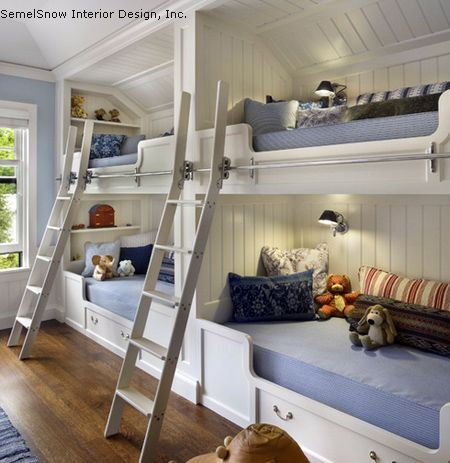 двухярусная спальня зона в детской для 3 и более детей