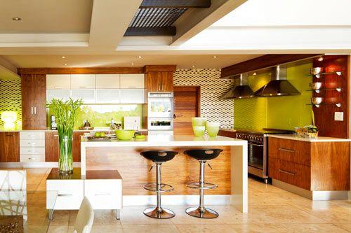 стильная кухня открытого типа