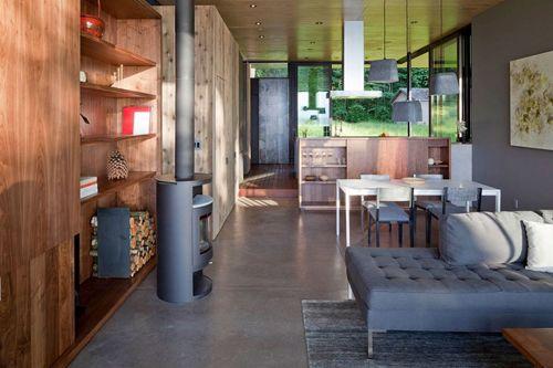 открытая гостиная с кухней в дачном доме