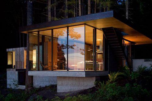 дизайн дачного домика на лесистом склоне