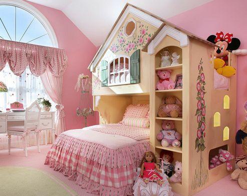 интерьер спальни для девочки в виде деревенского домика