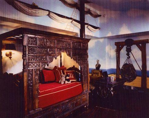 роскошный интерьер детской спальни в стиле капитанской каюты