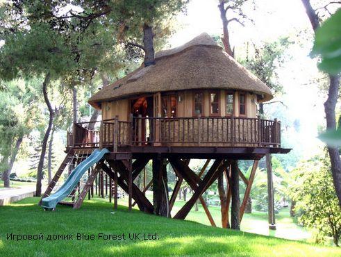 просторный детский домик на дереве