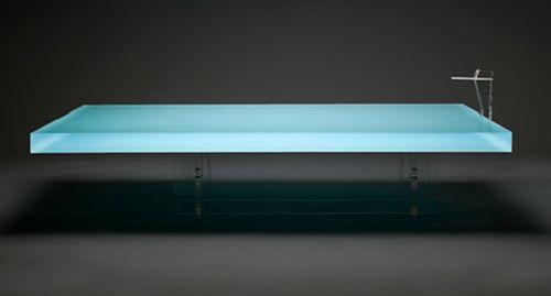 дизайнерский пластиковый журнальный столик