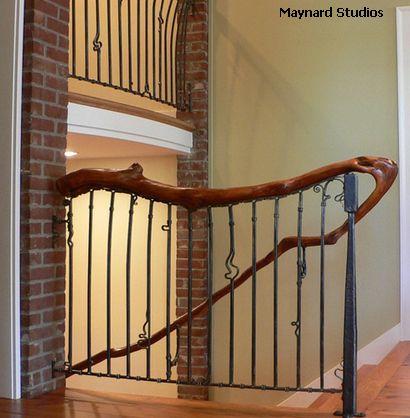 органический стиль металлического ограждения лестницы