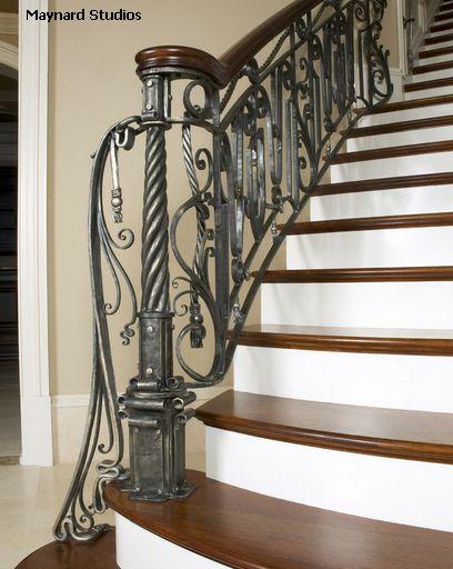 ограждение лестниц из кованого металла