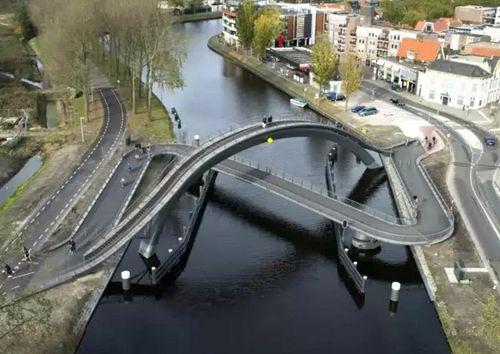 необычный двухуровневый мост