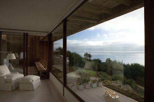панорамные окна в загородном коттедже