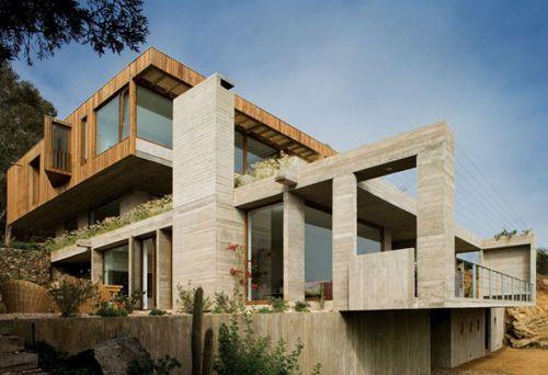 дизайн трехэтажного загородного коттеджа с цоколем