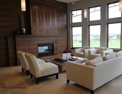 стильная гостиная со стеновыми деревянными панелями