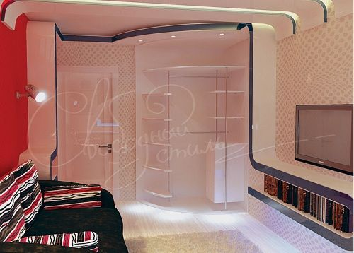 оригинальный дизайн радиусного шкафа с полками