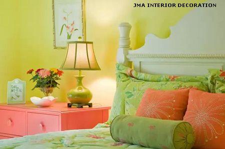 яркие акценты в интерьере спальни