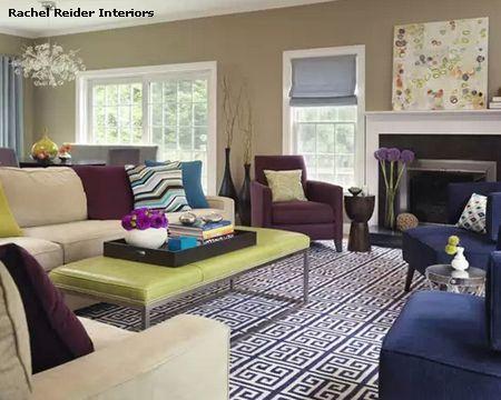 яркая цветовая гамма в интерьере гостиной