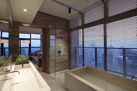 современный интерьер ванной комнаты в пентхаусе