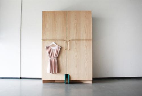 гардеробный шкаф с мобильными раздвижными дверками