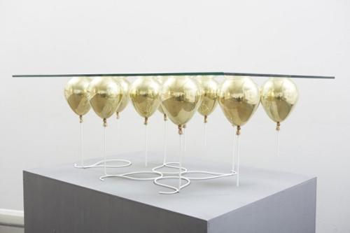 дизайнерский столик с парящей столешницей