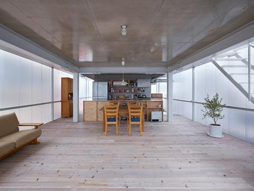второй этаж прозрачного дома