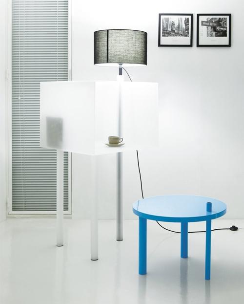использование трех предметов функциональной мебели