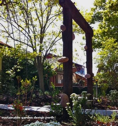 садовая арка в языческом стиле