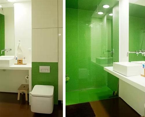 зеленая мозаика в интерьере ванной