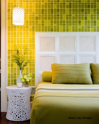монохромная желтая спальня