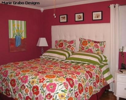 яркий текстильный декор спальни