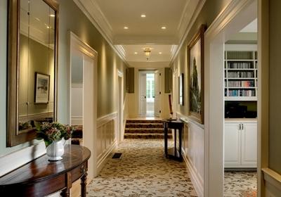 сочетание оливкового и белого в интерьере дома
