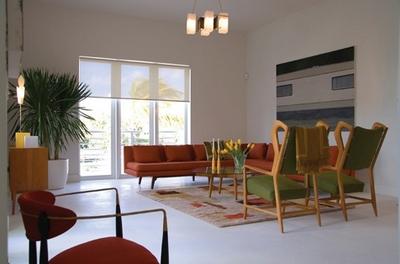 оливковые кресла в интерьере