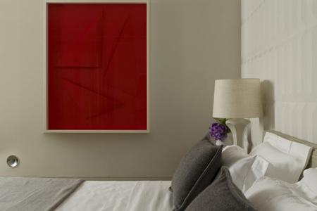 оформление стены в интерьере спальни