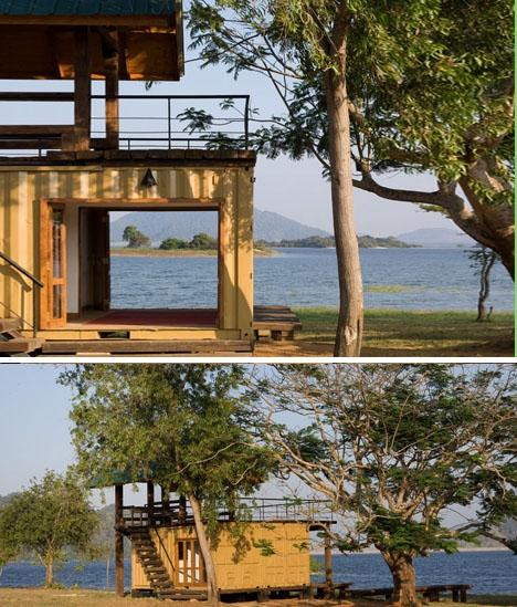дачный дом из двух контейнеров на деревянной площадке