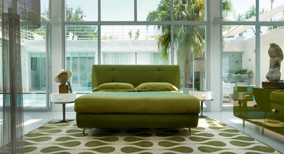 принципы минимализма в дизайне яркой арт-деко спальни