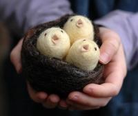 войлочное пасхальное гнездо с птенцами