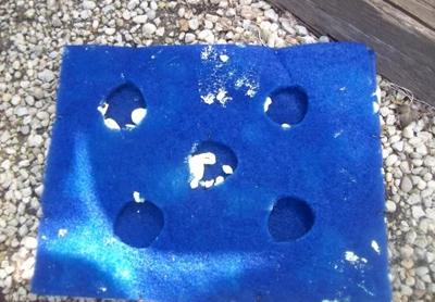 заполнение корпуса плавающей клумбы монтажной пеной