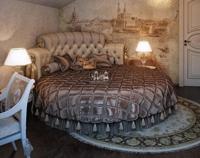 круглая кровать с изголовьем