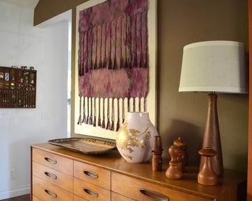 оригинальный текстильный декор стены