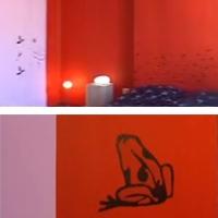 трафаретная роспись на стенах маленькой спальни