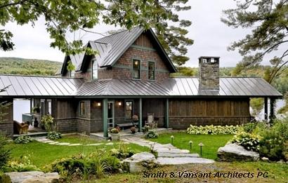 деревянный дом с 3 видами крыльца