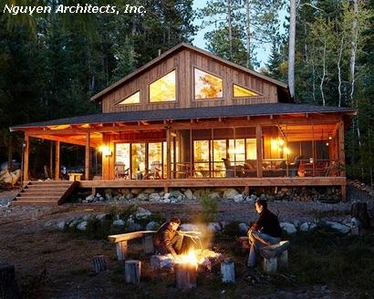 крыльцо деревянного дома на сваях