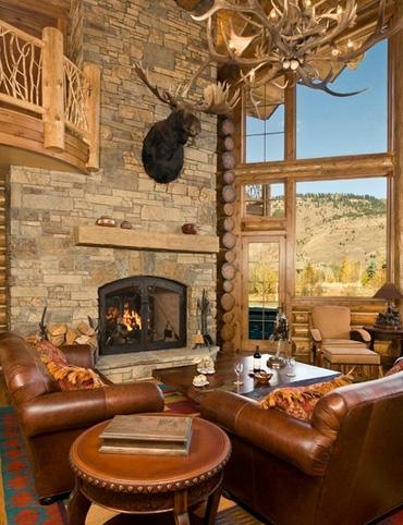 охотничий домик в горах с панорамными окнами